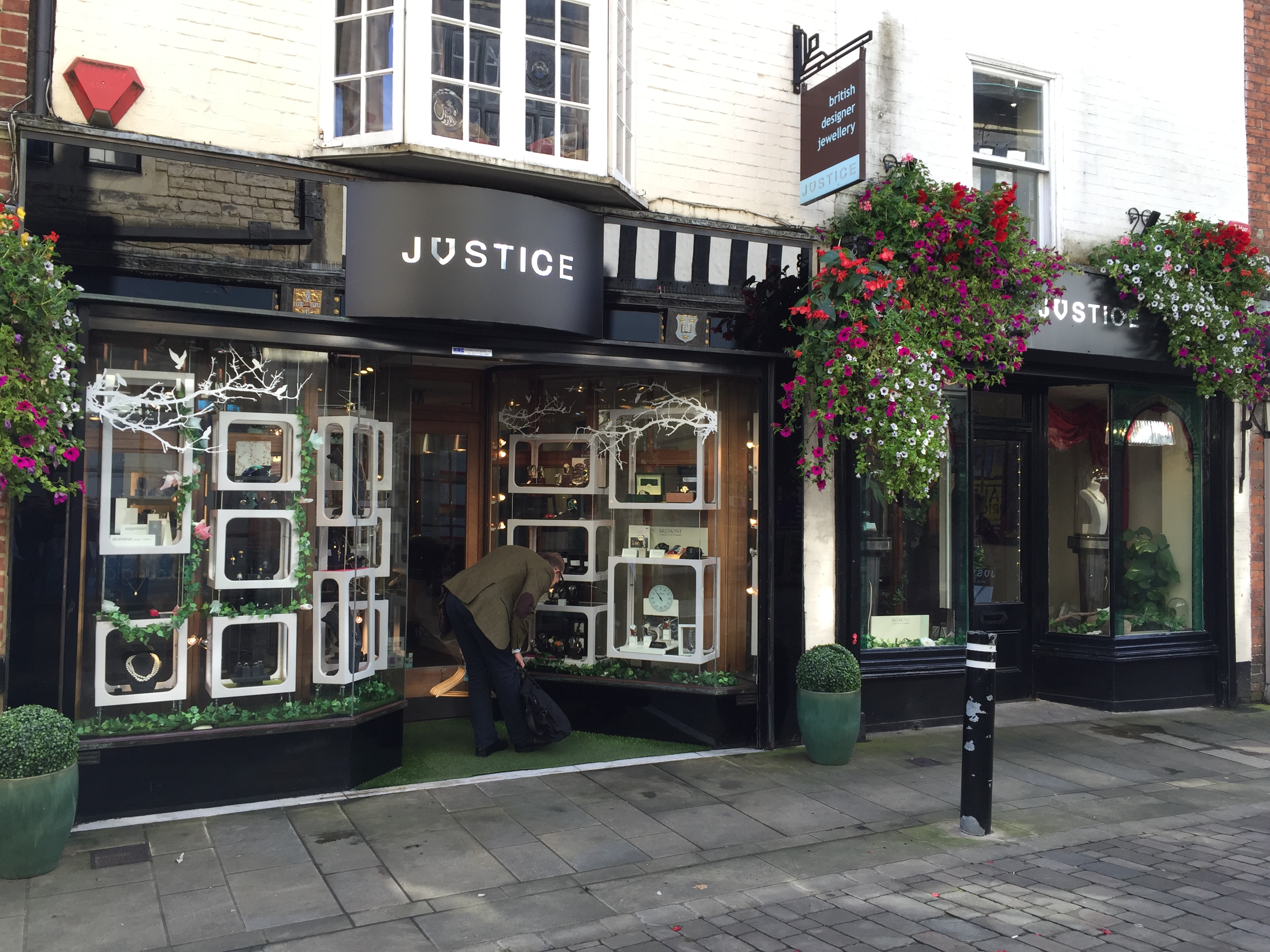 Justice Jewellers, Winchester